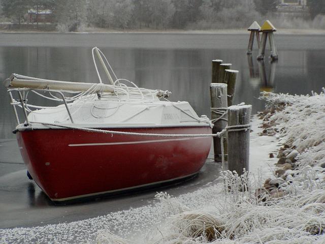 sailboat-430657_640